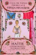 Casa de papusi fermecata - Papusa din hartie Hattie - Cu costume din epoca victoriana tarzie - Robyn Johnson